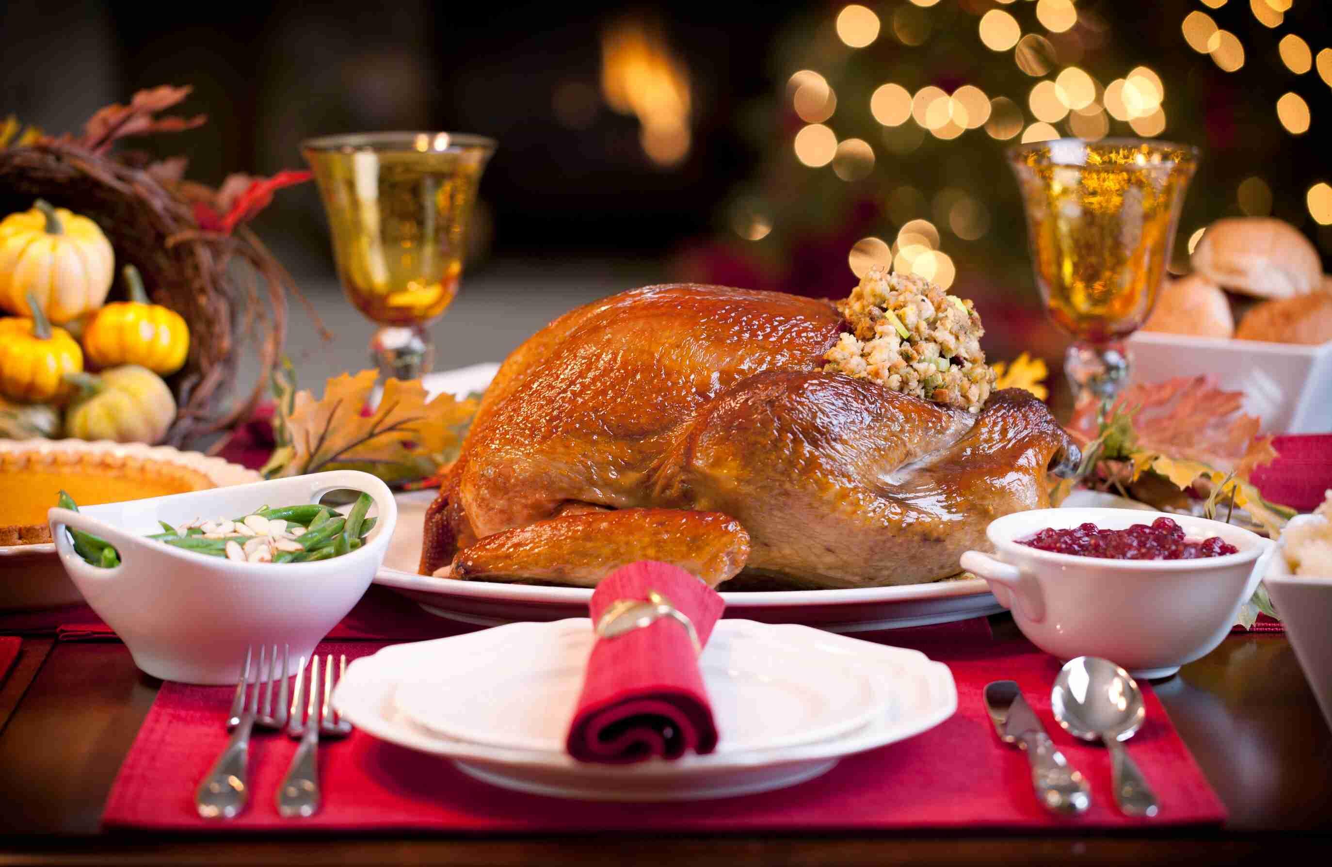 ThanksgivingTable.jpg