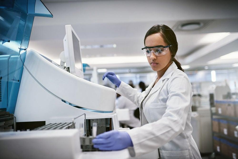 insidetracker scientist testing blood biomarkers