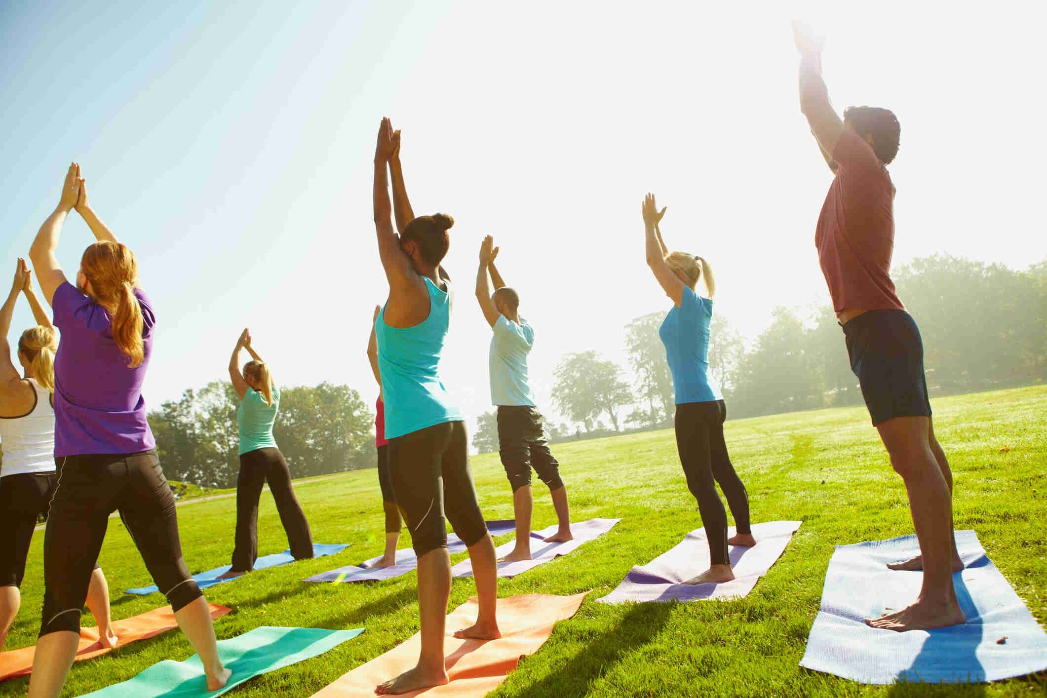 yoga-lowimpact-outside-group