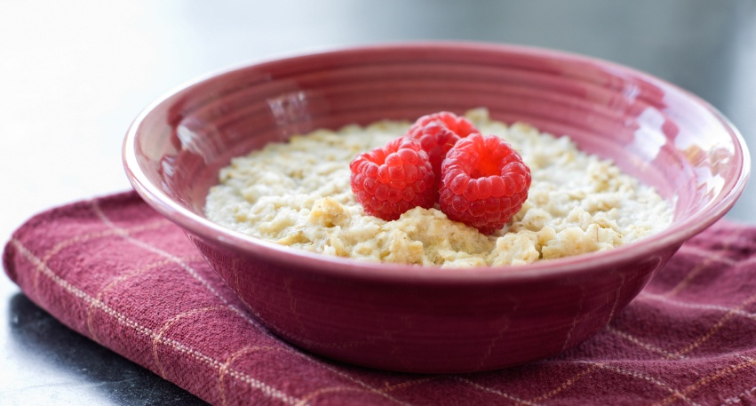 oatmeal_fiber_raspberries